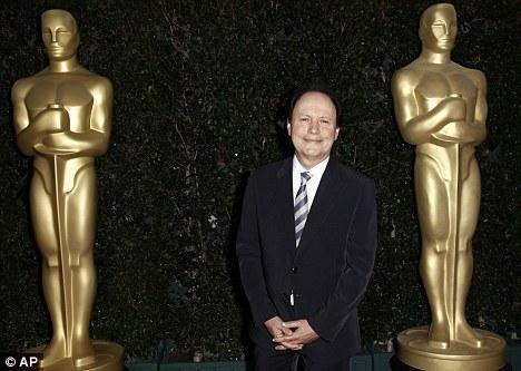 Билли Кристал будет ведущим следующей церемонии Оскара