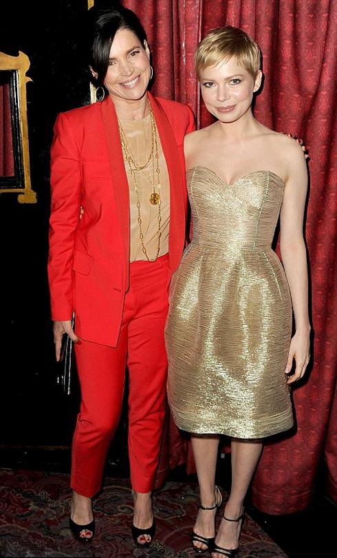 Джулия Ормонд и Мишель Уильямс в 2011 году на фестивале Американского института кино