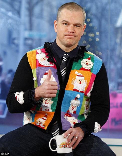Мэтт Дэймон в рождественской жилетке на шоу